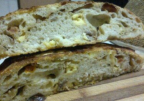 Onion and Cheddar loaf