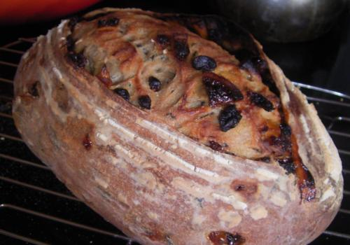 fruit & blue mountain tea sourdough